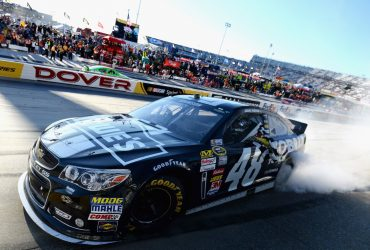 Jimmie Johnson wins at Dover