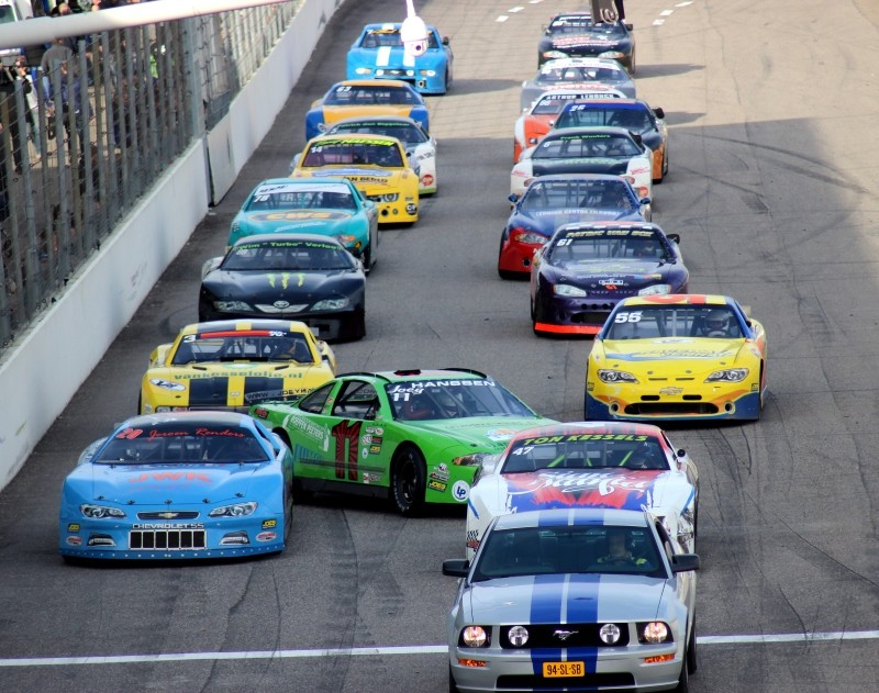 Late Model V8 Supercup Lined-Up