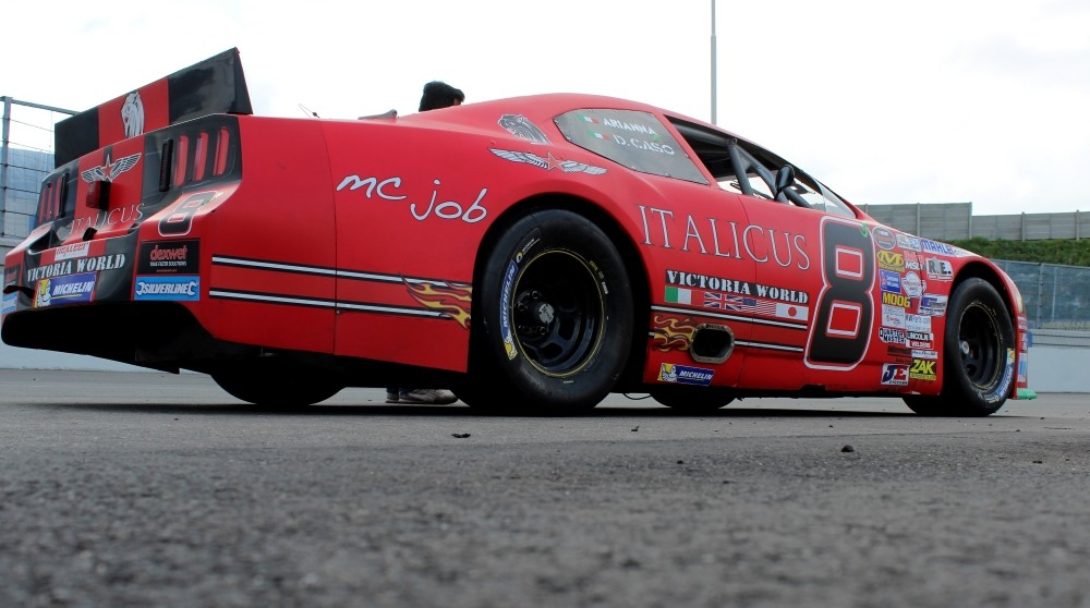 #8 Vict Ford Mustang
